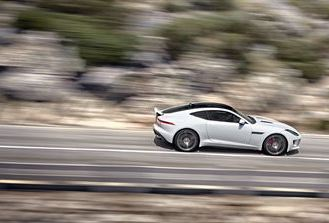 Jag_F-TYPE_R_Coup__Polaris_Image_201113_06_Poster