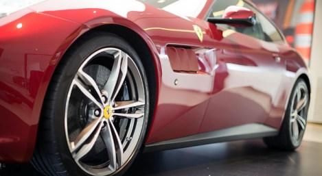 Ferrari GTC4 Lusso 10
