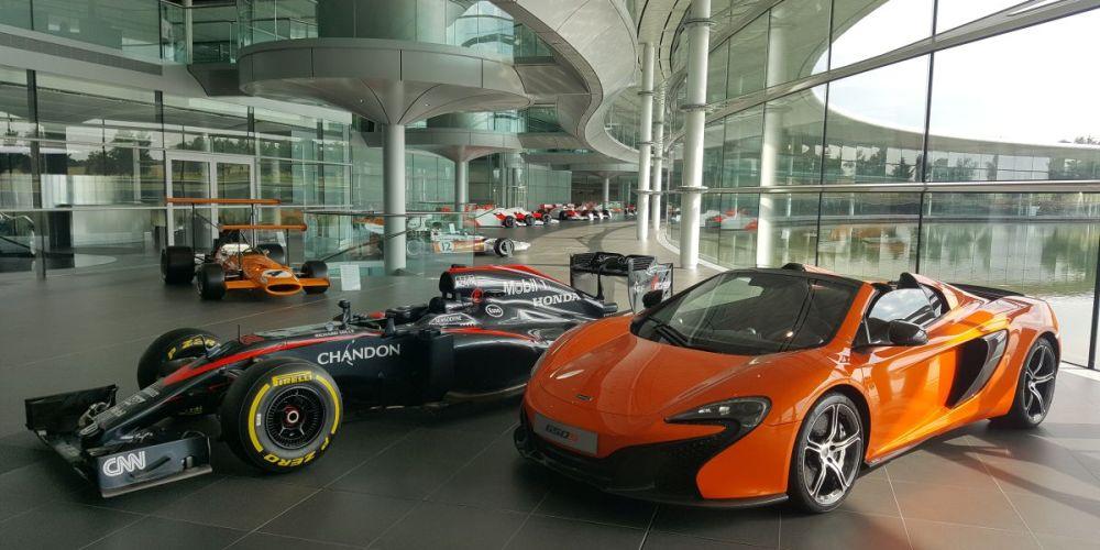 Ron Dennis deja la posición de CEO de McLaren