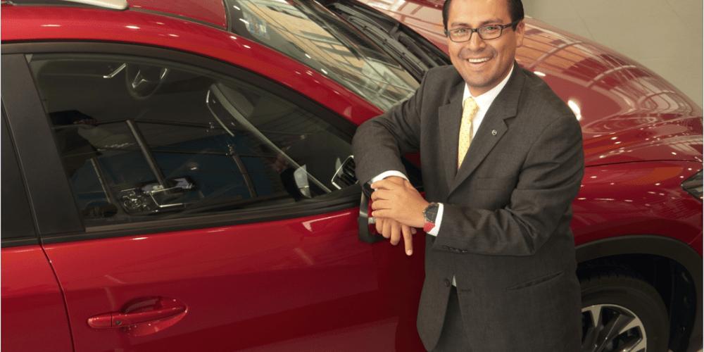 Maneja la quinta filial de ventas en importancia para Mazda en el mundo, en tan solo 11 años conoce las estrategias que hoy le dan el éxito como ejecutivo.