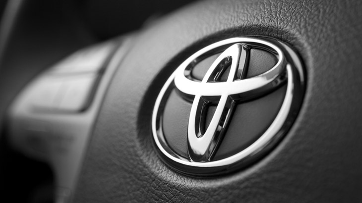 Toyota 15 años y 100,000 unidades el mínimo anual