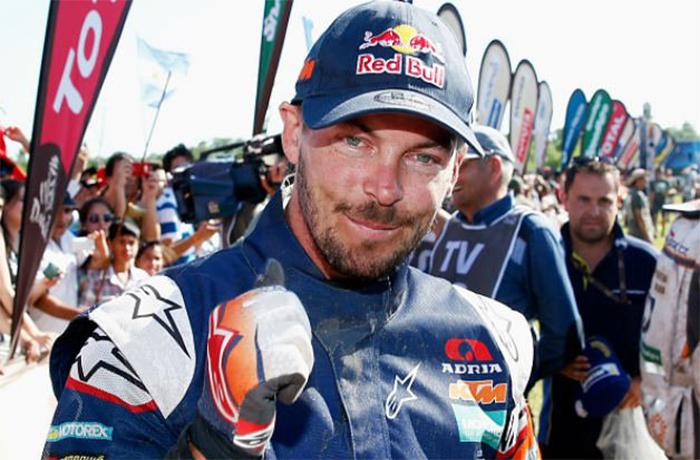 Toby Price cae y queda fuera del Dakar