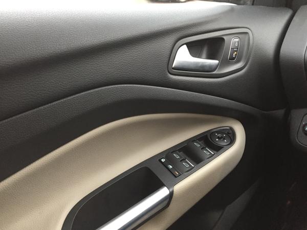 Ford Escape 2017050