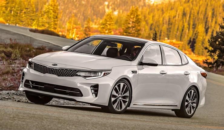 KIA Optima y Sportage dentro de los 10 vehículos de 2017 más premiados por el Kelley Blue Book.