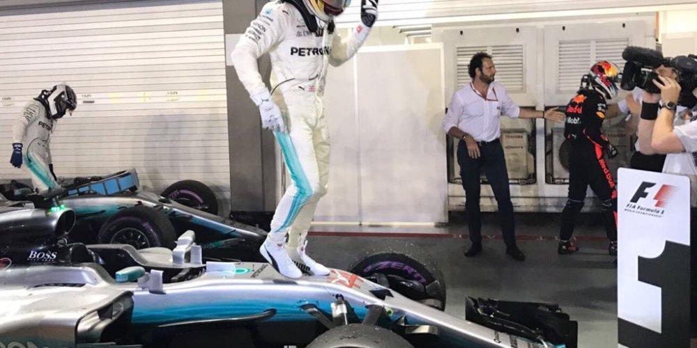 Hamilton cada vez más cerca del Campeonato tras la victoria en Singapur