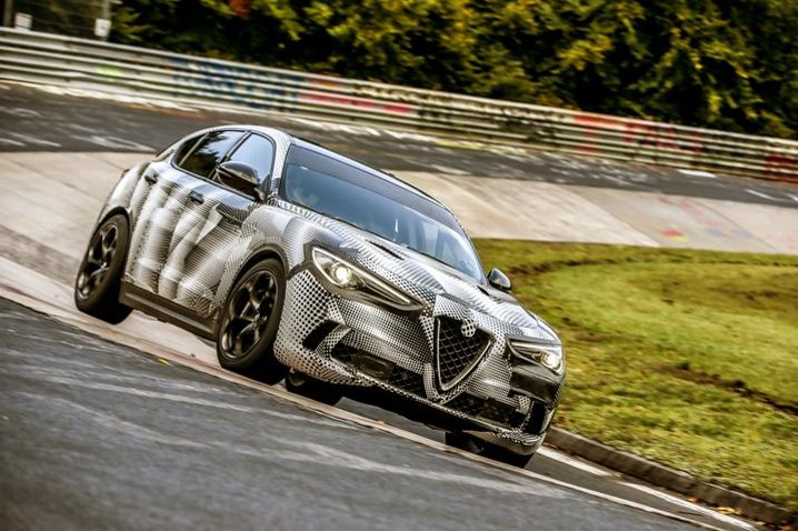 Alfa Romeo Stelvio Quadrifoglio es el SUV de Producción más rápido del mundo