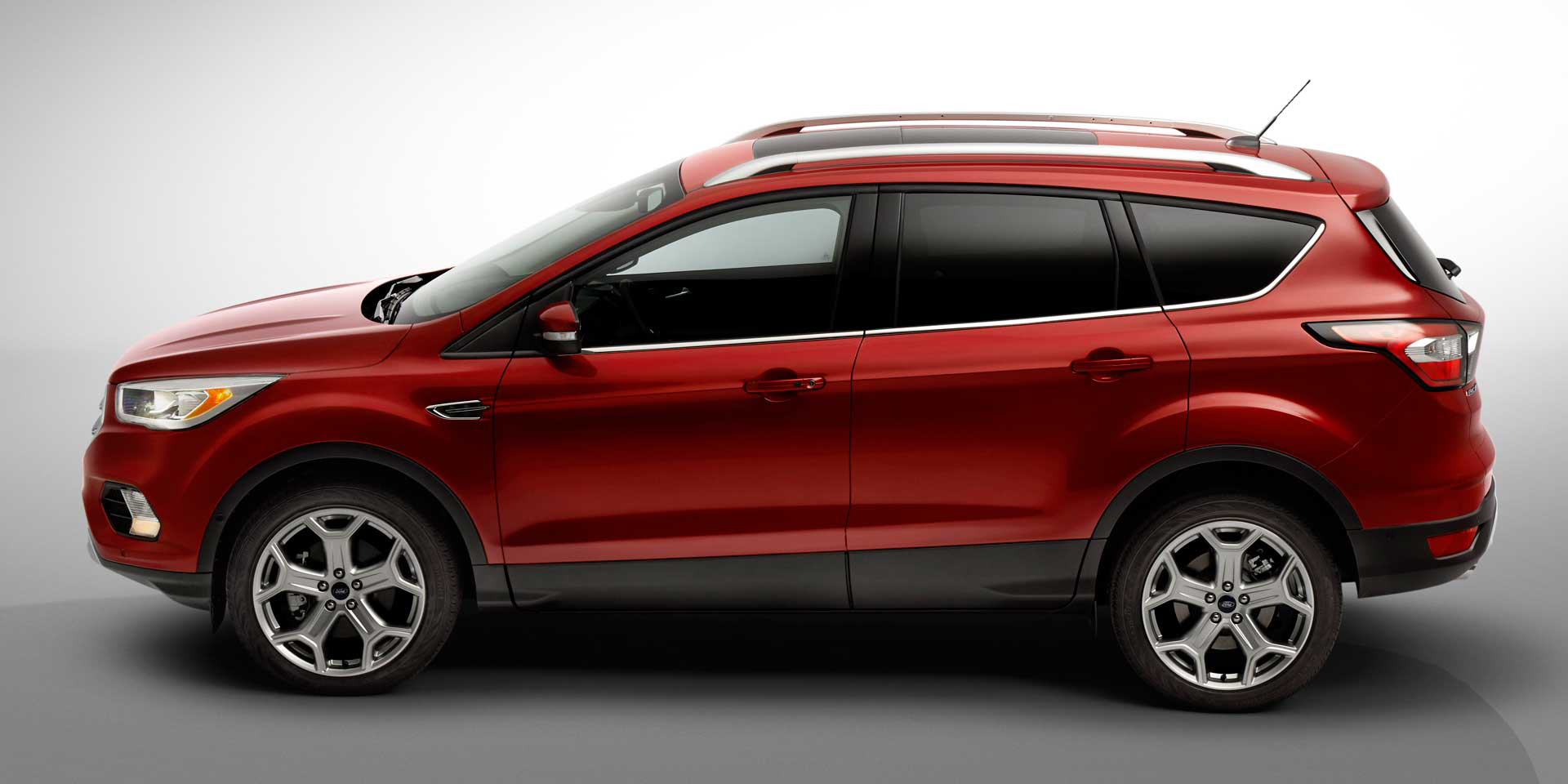 6-2017-Ford-Escape-2