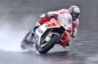 Dovizioso lidera los libres en Motegi, bajo intensa lluvia