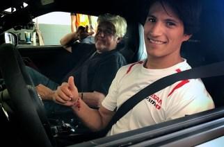 Ricardo Sánchez, piloto de Nismo y Jay Leno juntos nos muestran el garage del presentador