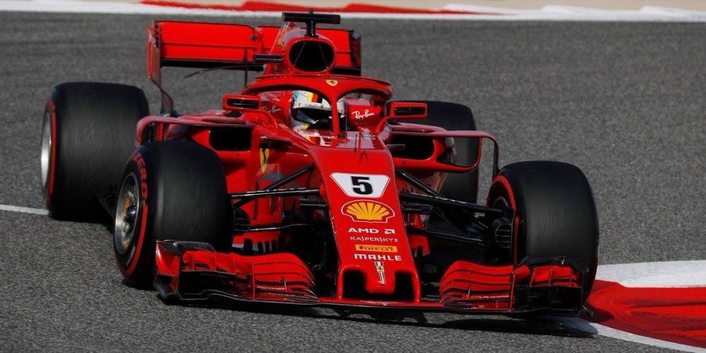 Vettel es el poleman en Bahrain, Hamilton penalizado