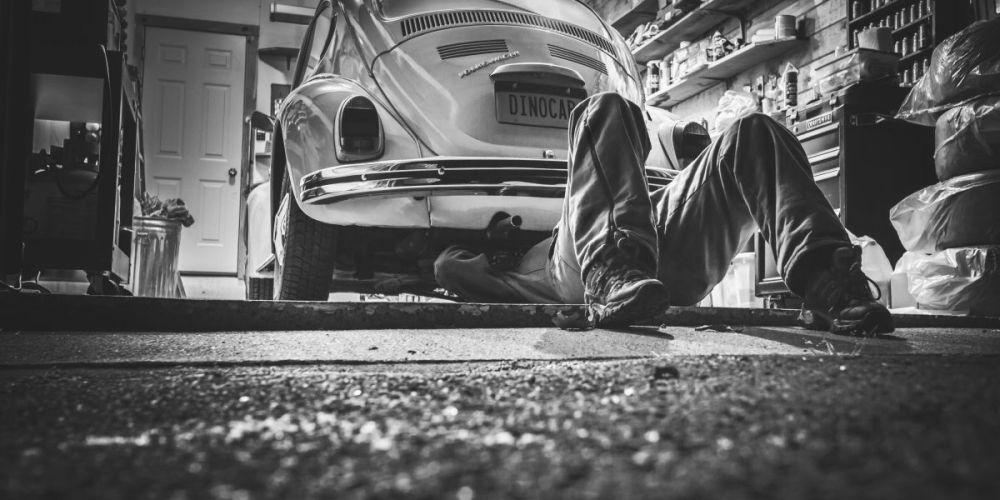 Casi no uso mi auto, ¿debo hacerle mantenimiento?