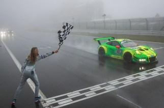 Porsche se lleva el podio en las 24 Horas de Nürburgring