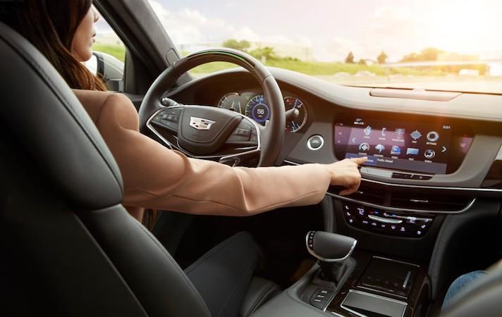 El manejo de manos libres será una realidad en Cadillac