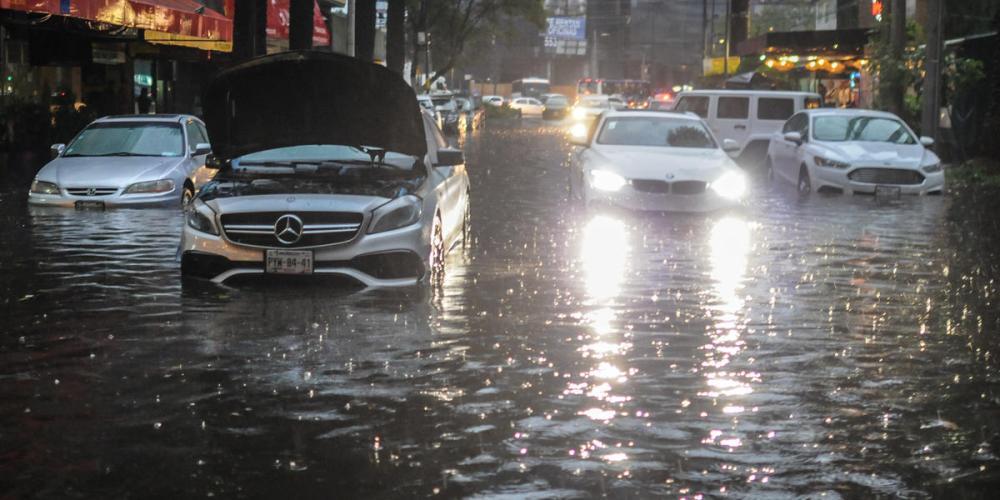Cómo debes conducir en zonas inundadas