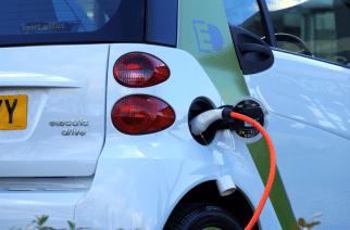 Conectividad y autos eléctricos, tendencias hacia el 2030