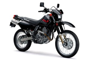 Suzuki DR650, del asfalto a la tierra, lo que buscas de una doble propósito