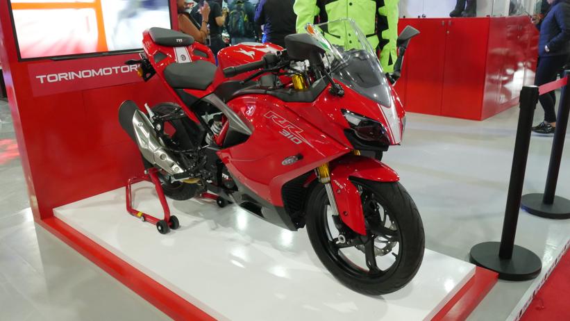 TVS 310 RR b