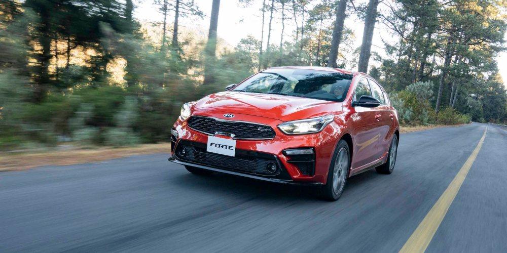 KIA Forte GT hatchback 2019, ¡turbo poderoso!