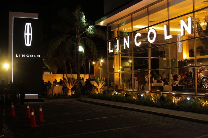 Lincoln inaugura boutique en Guadalajara