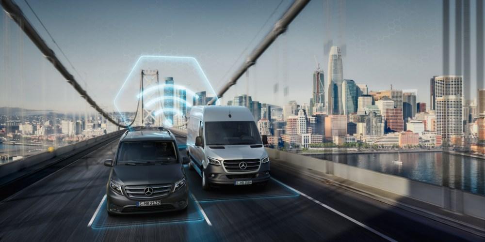 """Mit """"Eco Monitor"""" und """"Fahrstil Monitor"""" zu einer effizienteren und nachhaltigeren Fahrzeugflotte. With """"Eco Monitor"""" and Drive Style Monitor"""" to a more efficient fleet and resource-friendly driving behavior."""