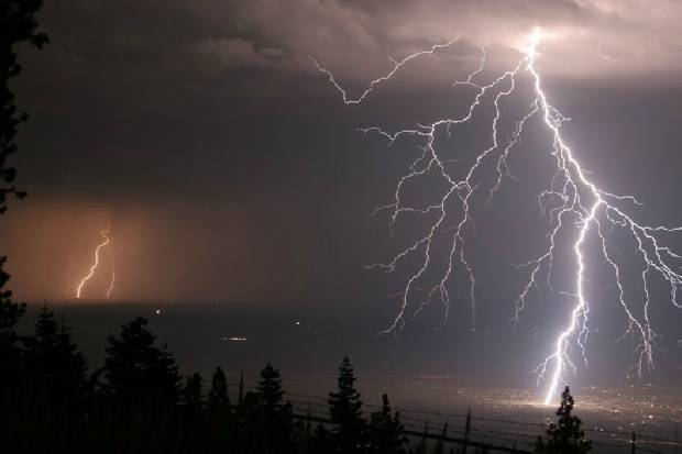 lightning_strike_08
