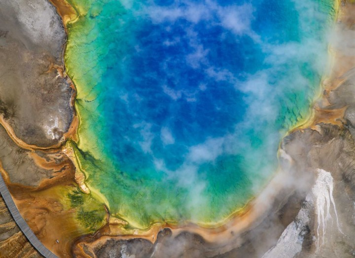 Hot Spring, Yellowstone Park, USA.