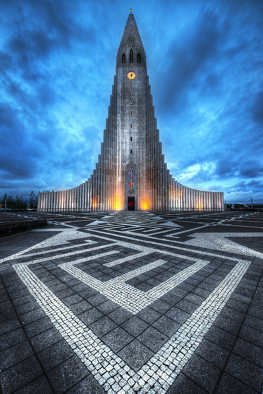 Midnight at the Hallgrimskirkja-XL