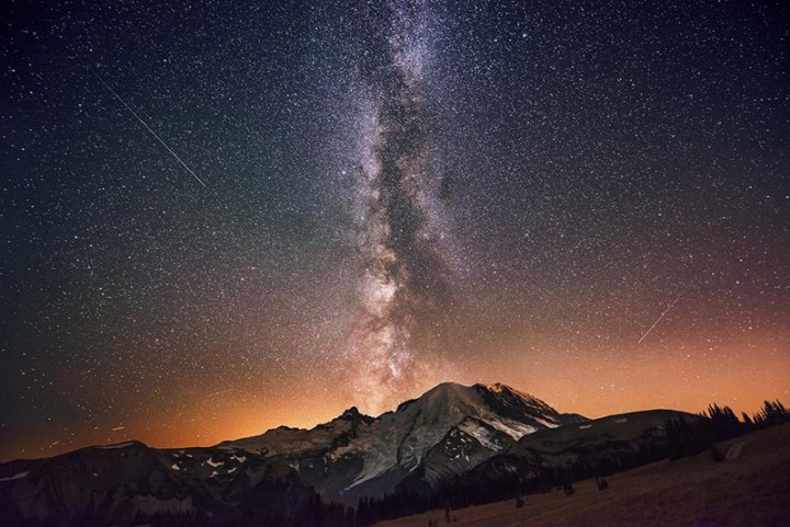 1smithsonian-photo-contest-naturalworld-milkyway-galaxy-stars-morrow
