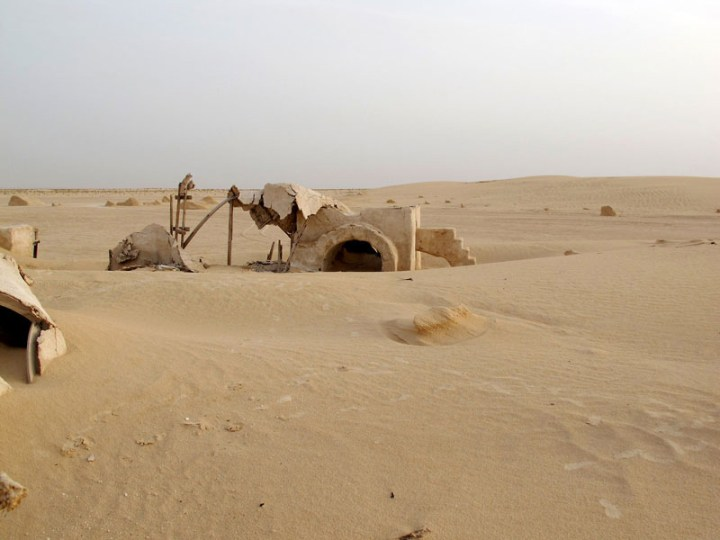abandoned-star-wars-tatooine-movie-set-tunisia-desert-lars-homestead-5