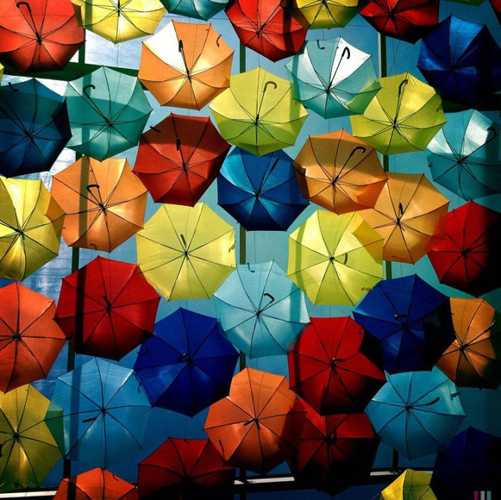 floating-umbrellas-agueda-portugal-2013-6