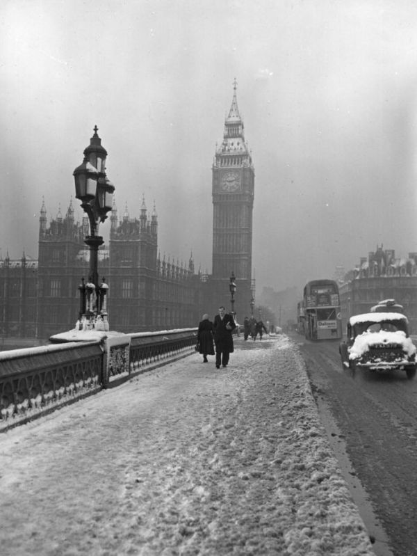 haunting_photos_of_the_london_fog_05