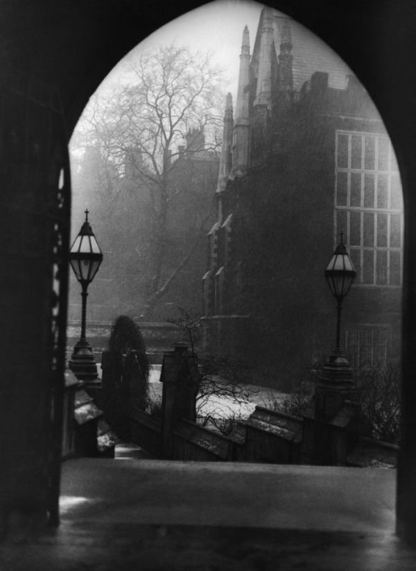 haunting_photos_of_the_london_fog_06