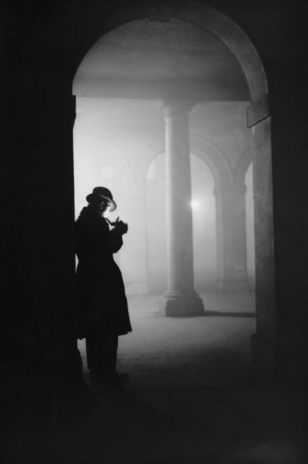 haunting_photos_of_the_london_fog_17