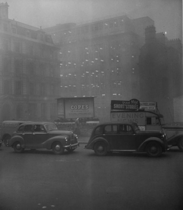 haunting_photos_of_the_london_fog_23