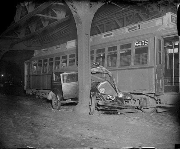 vintage-car-accidents-251