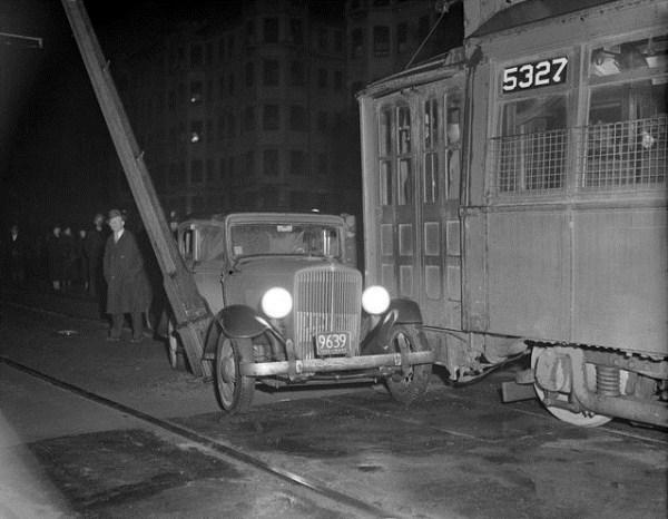 vintage-car-accidents-491