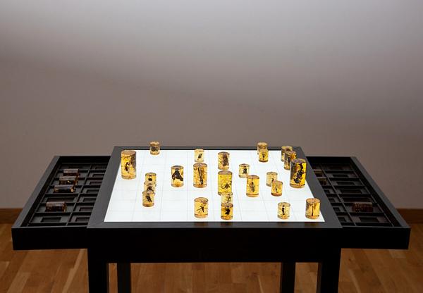 amorphous organic chess set1