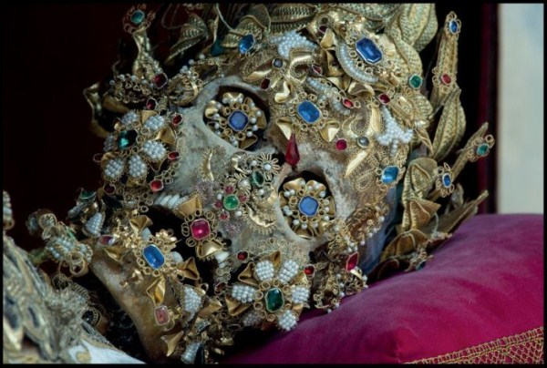 jewel-encrusted-skeletons-12