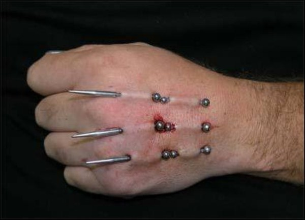 Extreme Painful Piercings 28 Pictures Memolition