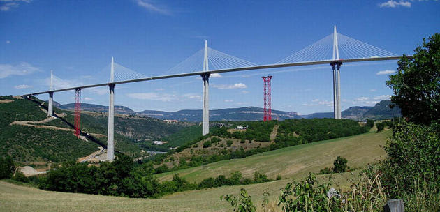 tallest_bridge_in_the_world_millau_viaduct_france7