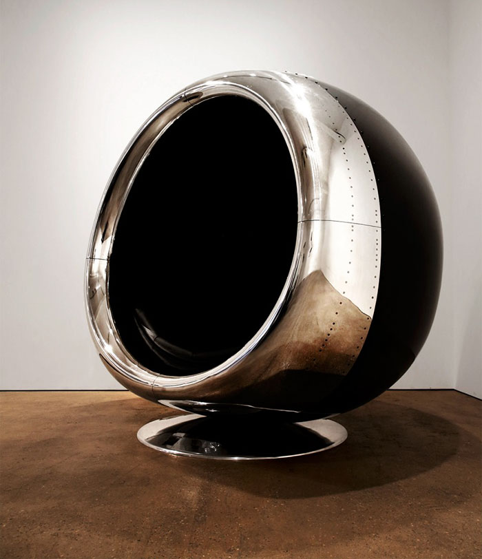 boeing-737-jet-engine-chair-cowling-fallen-furniture-3a