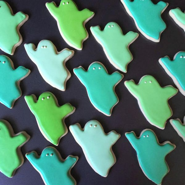 graphic-designer-makes-custom-cookies-holly-fox-design-79-572da26e9381f__700