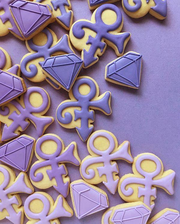 graphic-designer-makes-custom-cookies-holly-fox-design-36-572da2f564bc4__700