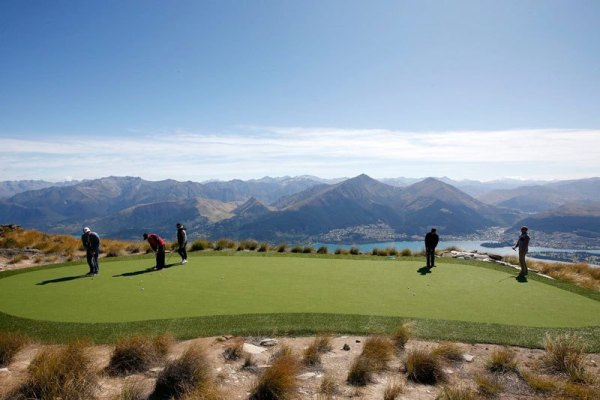 par-3-in-the-sky-helicopter-golf-queenstown-new-zealand-12