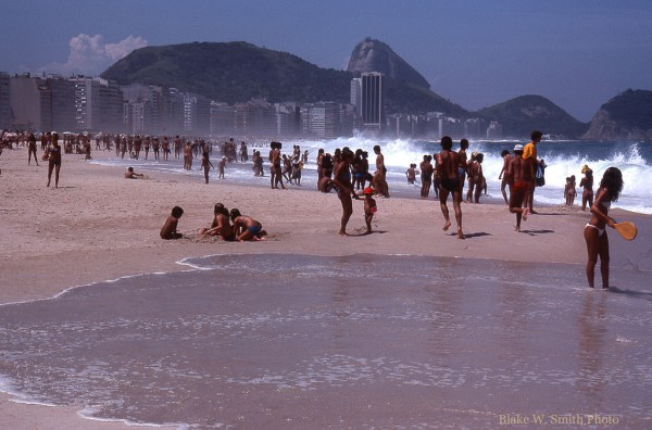 the Daily Life at the Rio Beaches in the late 1970s (20)
