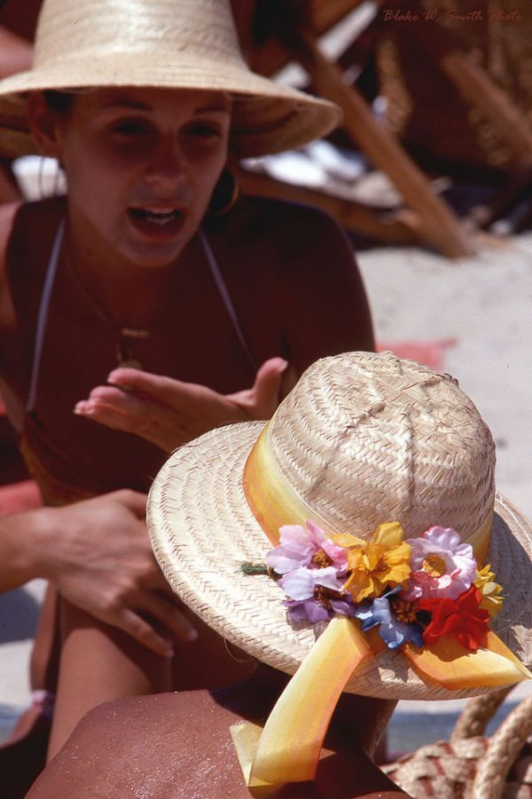 the Daily Life at the Rio Beaches in the late 1970s (14)