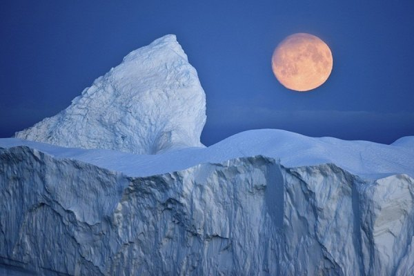 Arctic-moon