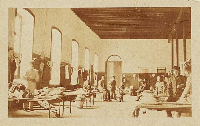 Fotografía 7 Dormitorio en la Hospedaria de Inmigrantes de São Paulo (National Diet Library - 100 anos de Imigracion Japonesa no Brasil, circa 1909)