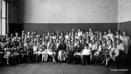 1923 - Alunos em apresentação teatral