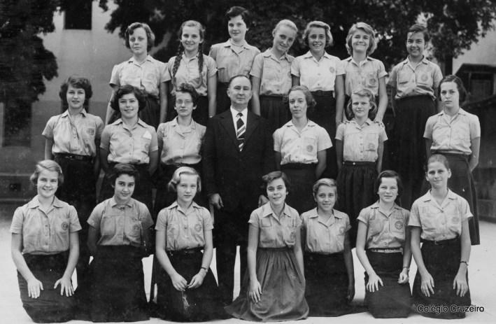 1955 - Foto da turma do Ginasial feminino